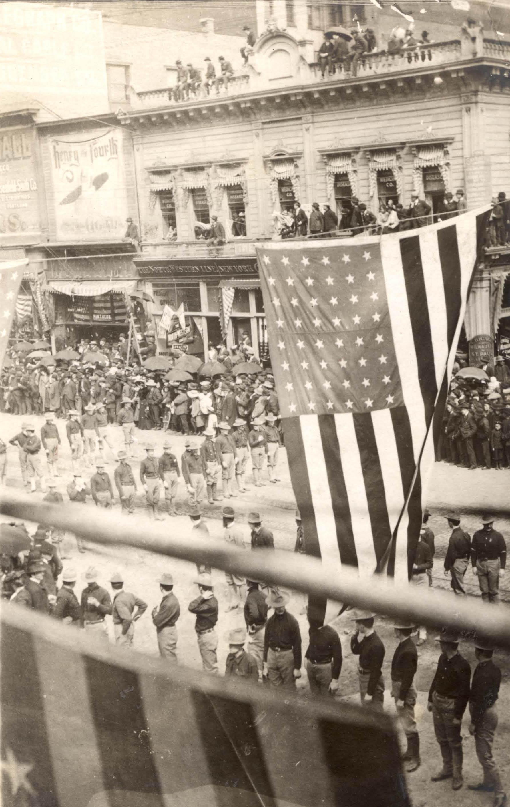 ONG parade1905
